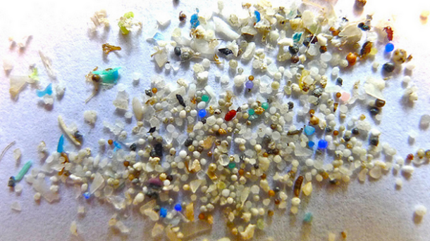Microbead-ban-offers-best-chance-to-protect-the-oceans-and-cosmetics-can-play-its-part_strict_xxl