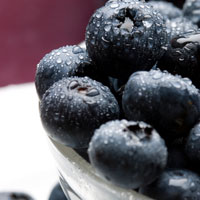 Blueberries-in-bowl-200